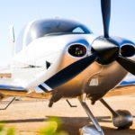 Президент Cirrus Design Алан Клепмиер (Alan Klapmeier) заявил о том, что компания не будет участвовать в торгах Columbia Aircraft, которые назначены на 27 ноября этого года